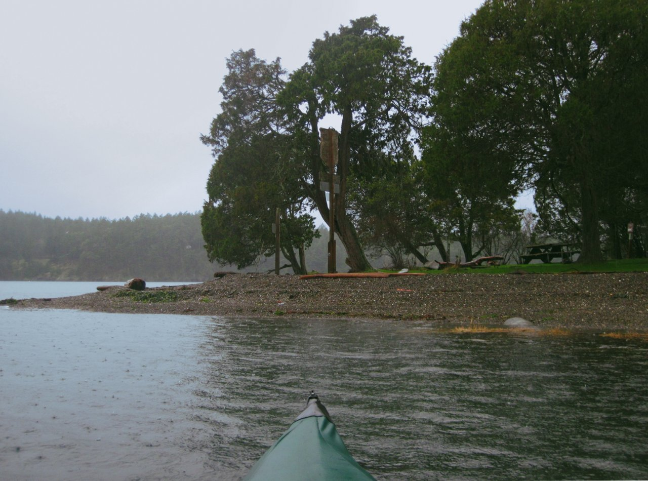 04 Rainy arrival at Posey Island.JPG