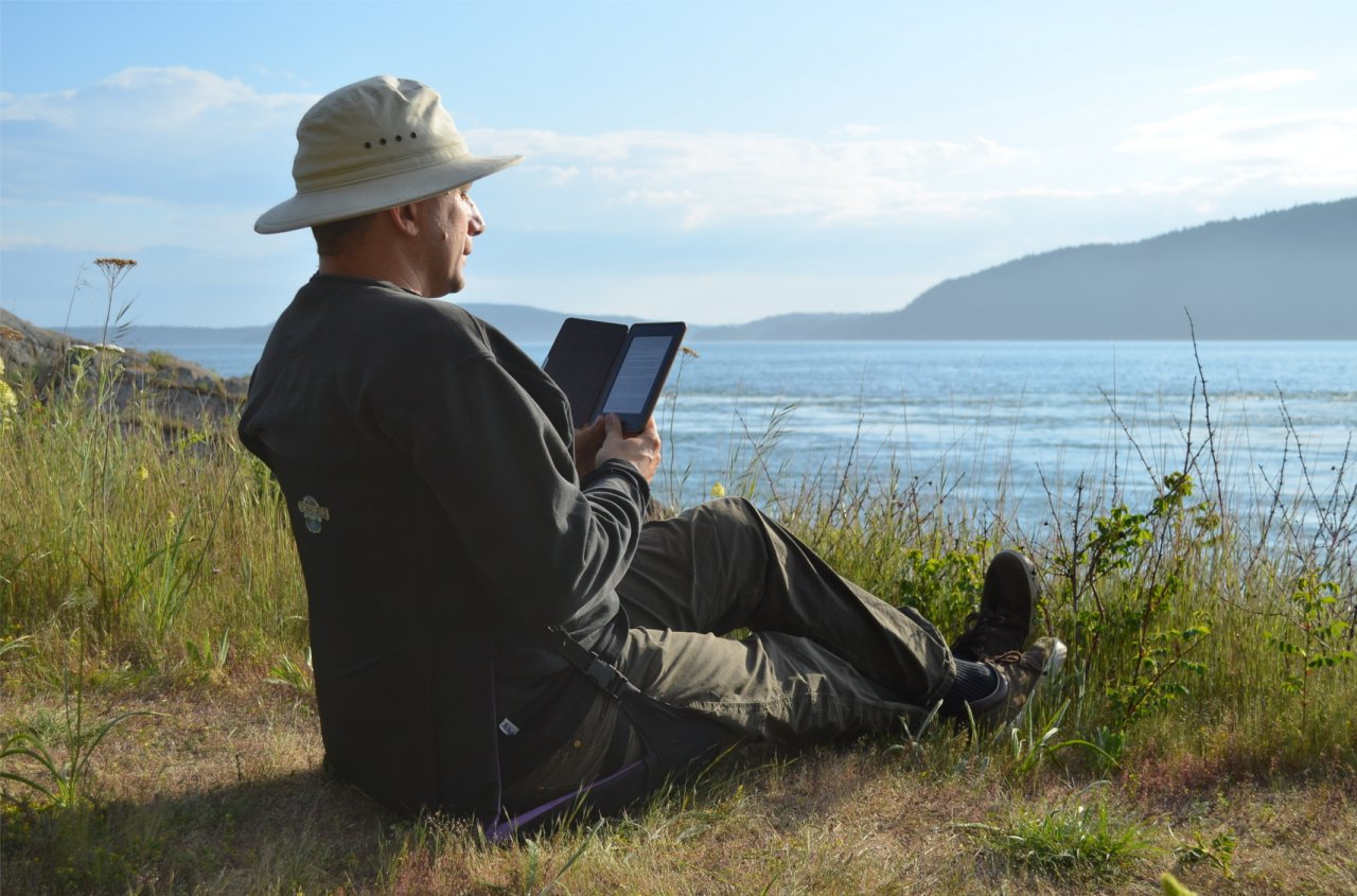 10 Reading by Rosario Strait.JPG