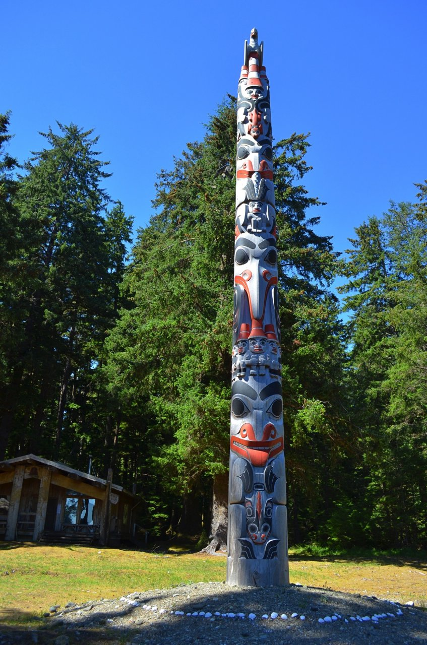 11 Modern commemorative totem at Windy Bay.jpg