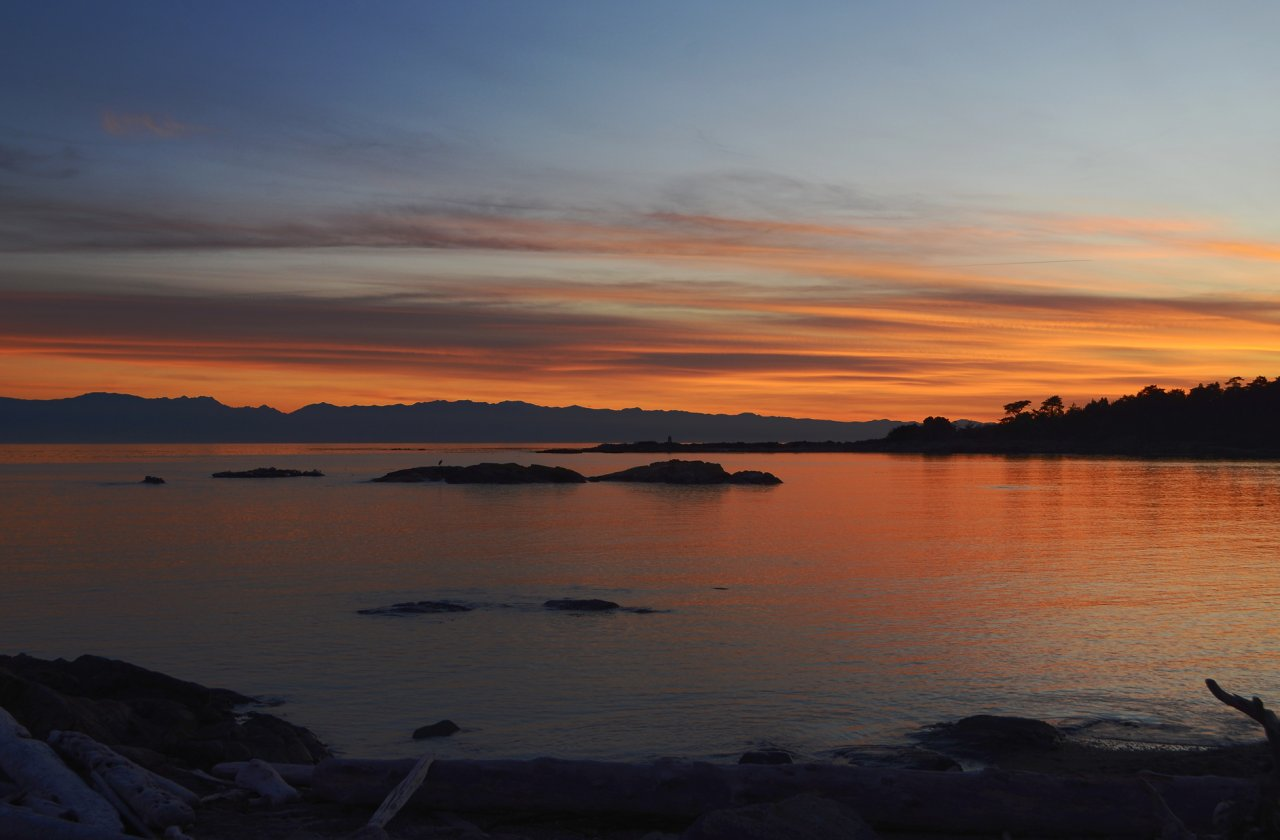11 Sunset over Olympic Mountains.JPG