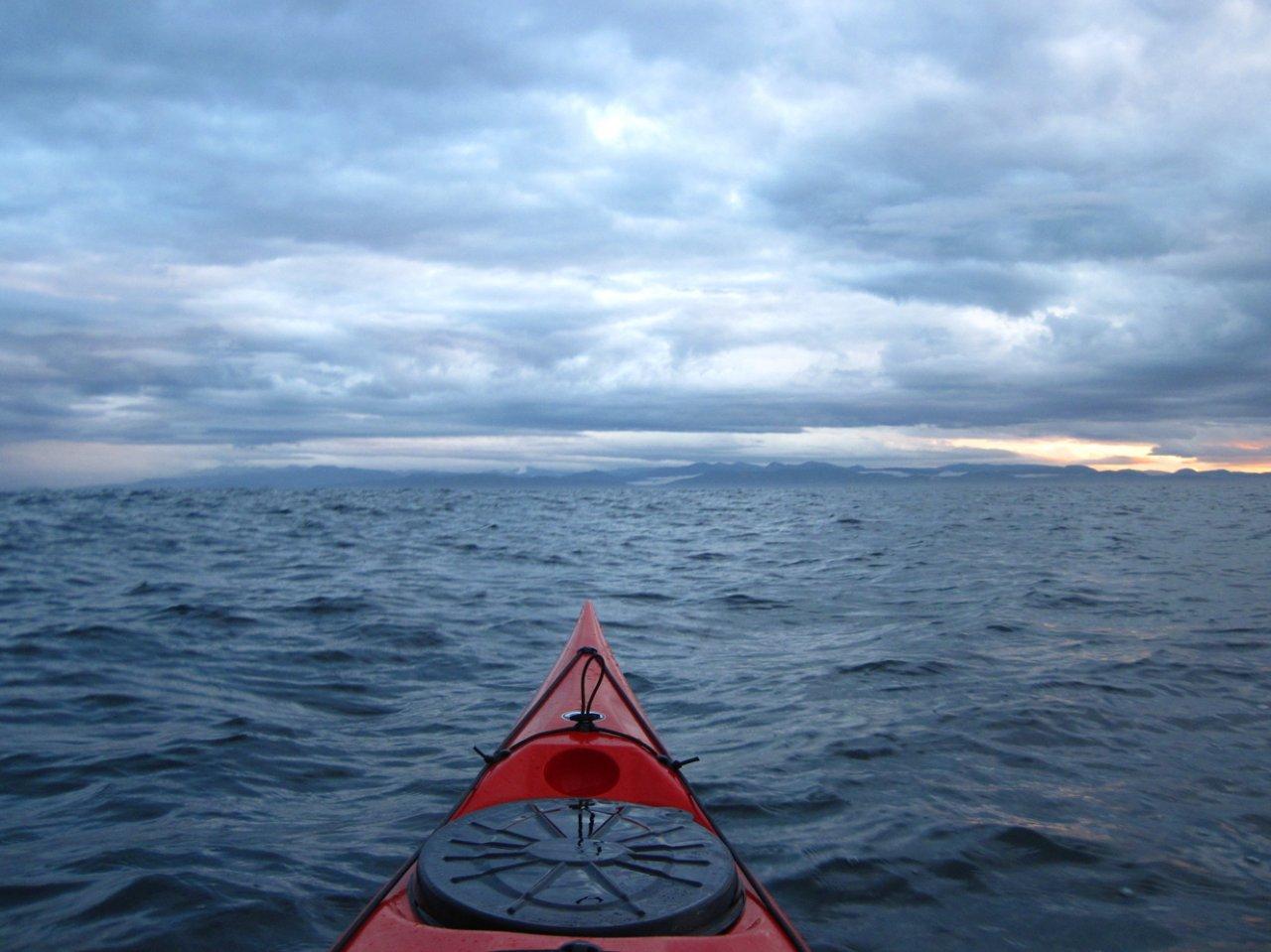 02 Kayaking across Strait of Juan de Fuca.JPG