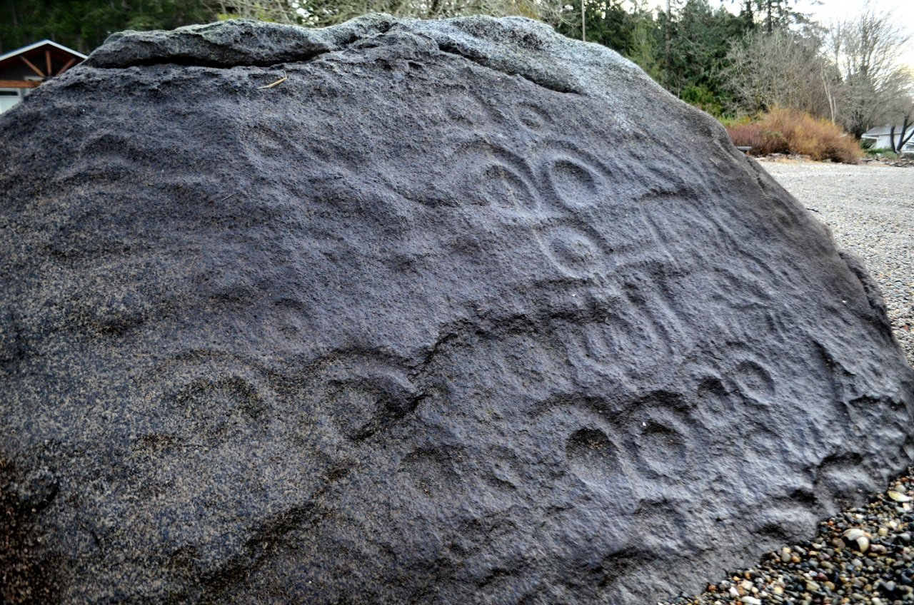 05 Case Inlet petroglyph at Victor.JPG