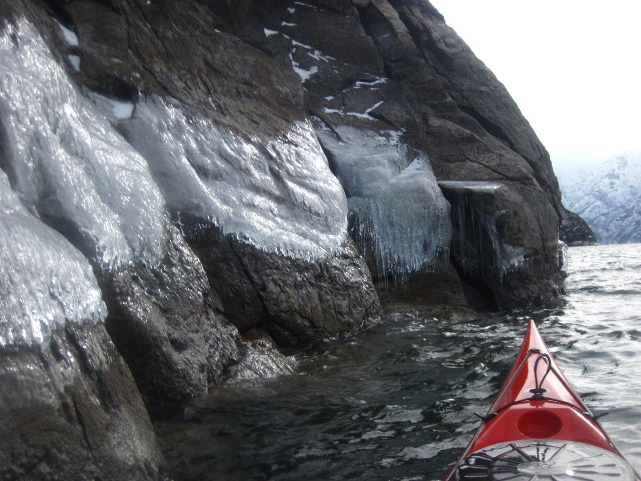 08 Ice-lined shore.JPG